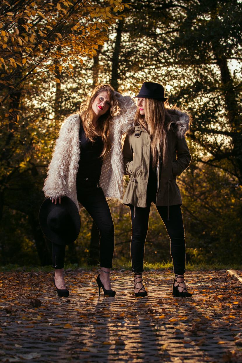 Sesion de fotos exterior pareja de chicas modelos Euskadi.